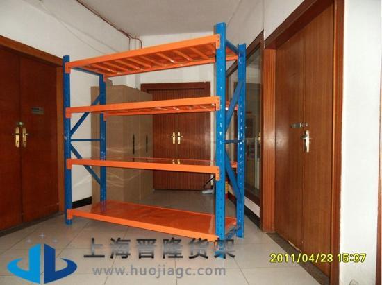 服装仓储货架图片