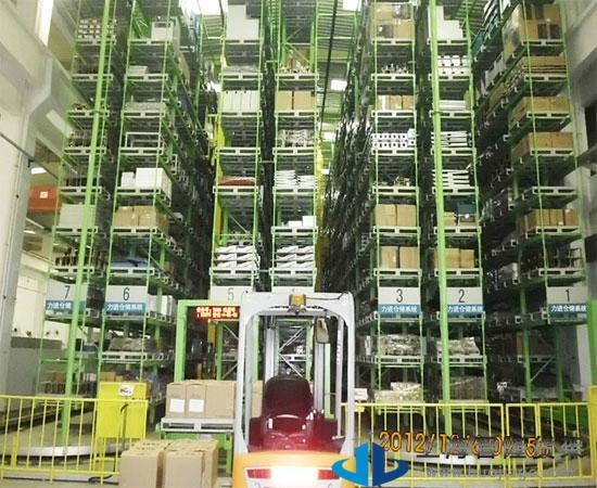 上海智能立体仓库货架新款图片